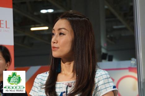 酒井法子さんがMGSエンターテイメントショーのトークショーに出演=11月16日、ヴェネチアンマカオ・コタイエキスポホール-本紙撮影