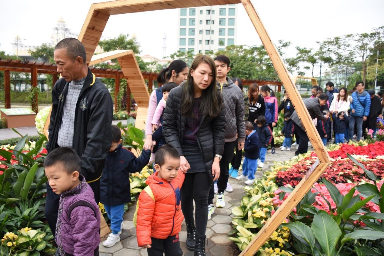 マカオ、ウィンターフラワーショー開幕=5万株の冬の花々を展示