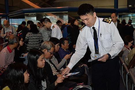 香港当局、マカオ行き高速船乗客にシートベルト着用呼びかけ