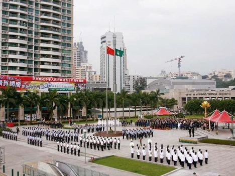 マカオ特別行政区成立記念日(18周年)