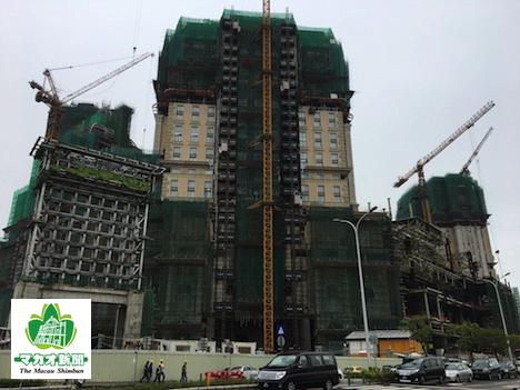マカオ・コタイ地区で建設中の大型カジノIR「グランドリスボアパレス」(資料)=2017年2月-本紙撮影