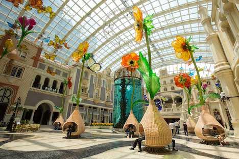 MGMマカオで大自然と花をテーマにした大型インスタレーション展示スタート=米国の有名デザイナーが制作