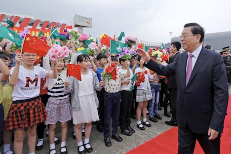 中国の張徳江全人代常務委員長がマカオ視察訪問