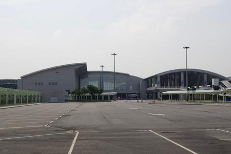 タイパフェリーターミナルの第1便は6月1日午前7時発香港行高速船=マカオの新しい海の玄関口