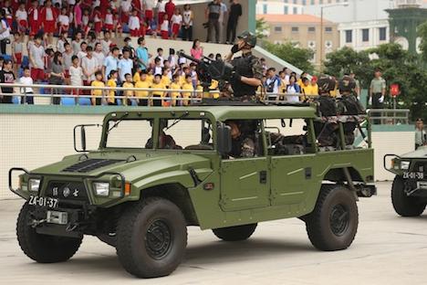 中国人民解放軍が駐マカオ部隊駐屯地を公開=4日間で1万人が見学
