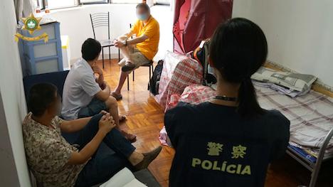 マカオ、中国人経営の無認可宿泊施設摘発…警察本部正面のビル内