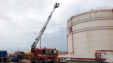 マカオ・コロアン島の油槽所で消防訓練実施