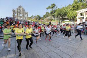 世界遺産・聖ポール天主堂跡前からセナド広場までのコースで開催されたトレイ・レース=2017年9月27日(写真:GCS)