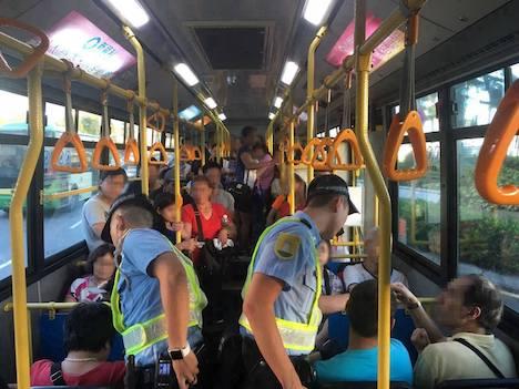 マカオ警察、路線バス対象の検問実施=身分証不携行で6人拘束
