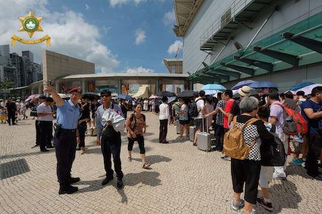 マカオ、国慶節連休最初の3日間の出入境人数151万人に…前年同期比4%増
