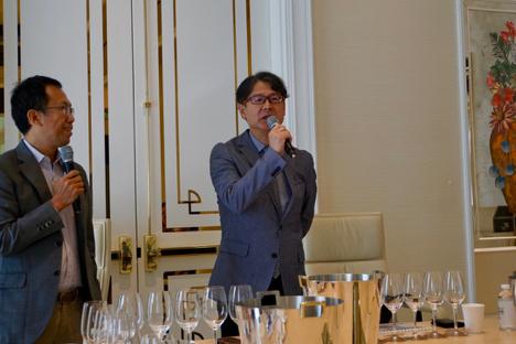 「松の司マスターコース」でバイヤーらが利き酒した5商品=2017年9月30日、ウィンパレス-本紙撮影