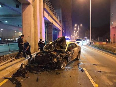 マカオ、違反常習のタクシードライバーが営業中に飲酒運転で自損事故…乗客は無事