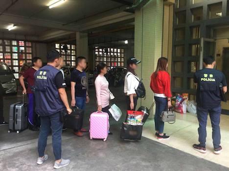 マカオ警察、防犯パトロール中に無認可宿泊施設摘発