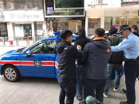 マカオ警察、下半身露出のネパール人の男を逮捕