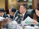 マカオ立法会全体会議で2018年度予算案法案の内容を披露する梁維特経済財政庁長官=2017年11月20日(写真:GCS)