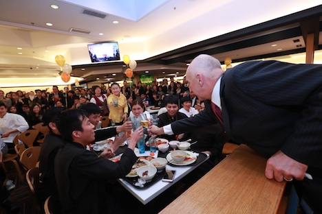 MGMマカオが開業10周年社内イベント開催…従業員の約2割が勤続10年