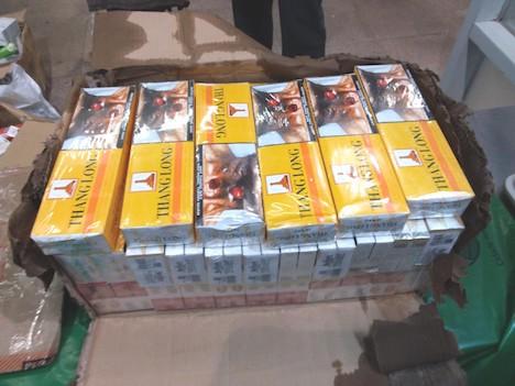 マカオ税関が押収した未納税状態のたばこ(写真:澳門海關)