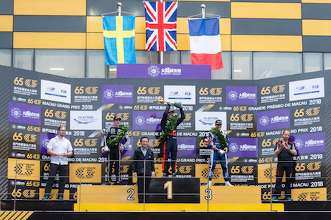 「サンシティグループF3マカオグランプリ-FIA F3ワールドカップ」表彰式。ダニエル・ティクタム選手が連覇を達成=2018年11月18日、マカオ・ギアサーキット(写真:GCS)
