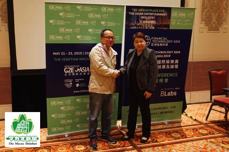 G2Eアジア2019に新設される「ファイナンス・テクノロジー・アジア」発表記者会見。Blockchain Labs社CEOのジャック・リャオ氏(左)とリード・エグジビションズ社プロジェクト・ダイレクターのヴェラ・ン氏(右)=2019年1月15日、サンズコタイセントラルにて本紙撮影