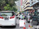 マカオの自動車及びバイクによる歩行者優先義務違反取り締まりの様子(写真:マカオ治安警察局)