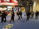 マカオ当局による国際カジノ見本市会場のパトロールの様子(写真:DICJ)