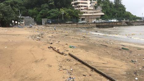 台風通過後の7月4日、漂着ごみが急増したチョクワンビーチ(写真:DSAMA)