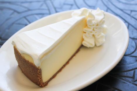 ザ・チーズケーキ・ファクトリーの看板メニュー「オリジナル・チーズケーキ」(写真:Maxim's Caterers Limited)