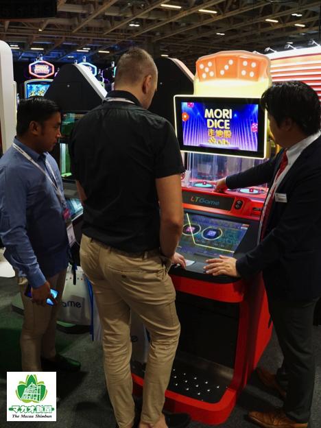 LT GAME JAPANが出展したシックボウのETGマシン=2019年11月12日、MGSエンターテイメントショー2019会場にて本紙撮影
