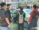 警察署に移送されるスリの現行犯で逮捕された男(写真:マカオ治安警察局)